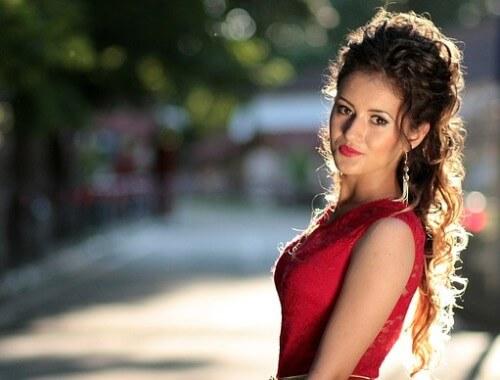 Czerwona sukienka na walentynki