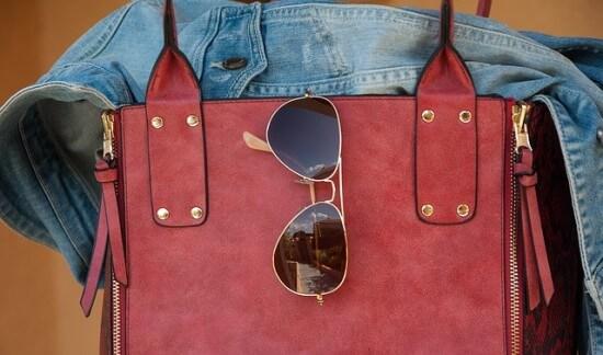 Torebka, okulary, kurtka jeansowa