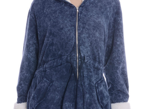 Bluza w niebieskim kolorze