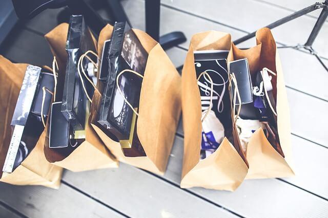 torby z ubraniami