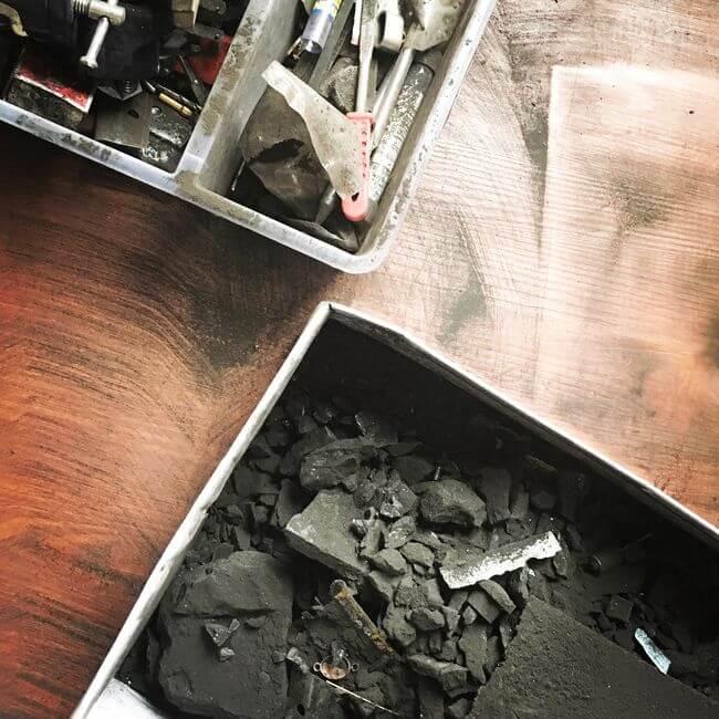 Wyrób biżuterii z węgla kamiennego