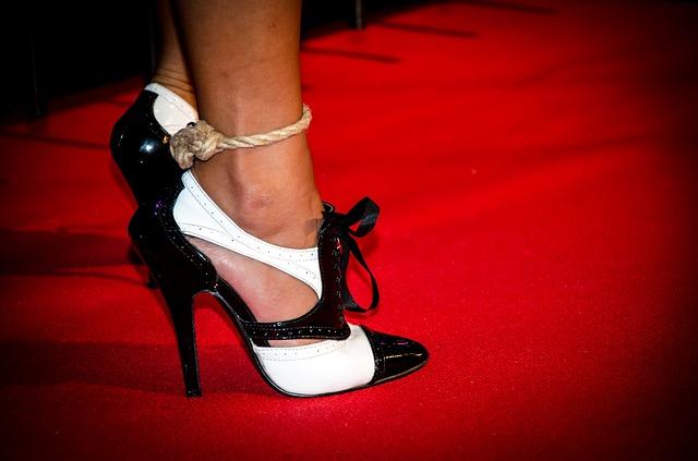Czarno-białe buty